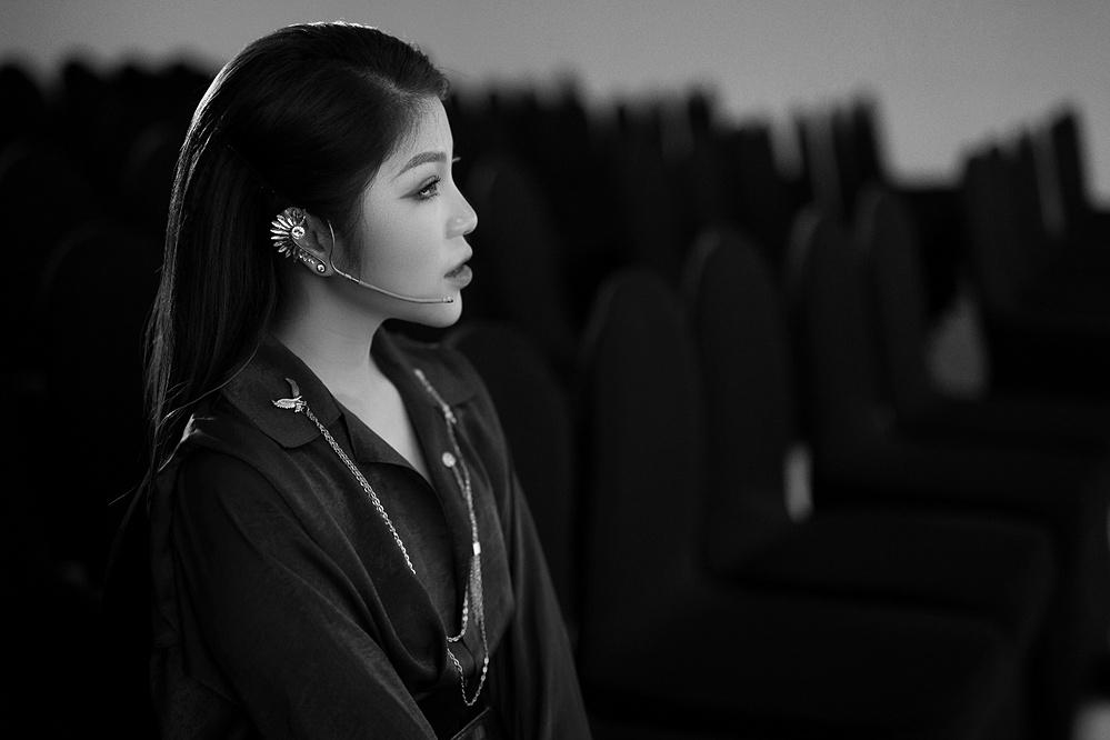 Makeup Artist Hạnh Lâm luôn không ngừng tìm tòi, học hỏi để bay cao và bay xa hơn trong nghề.
