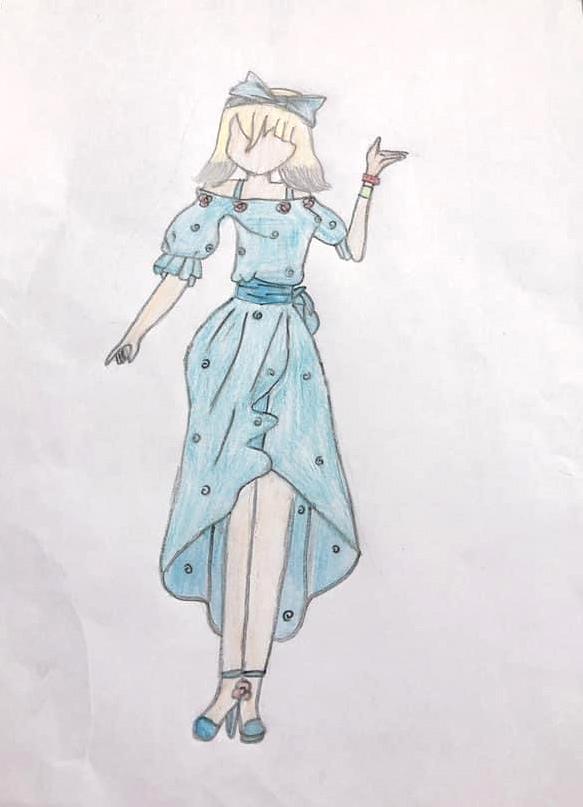 Đây là một trong những bức vẽ về trang phục mà bé Phương Thảo yêu thích nhất. Chiếc váy với tông xanh thanh thoát, nhấn nhá ở phần eo và váy đuôi cá tôn lên dáng vẻ của người phụ nữ.