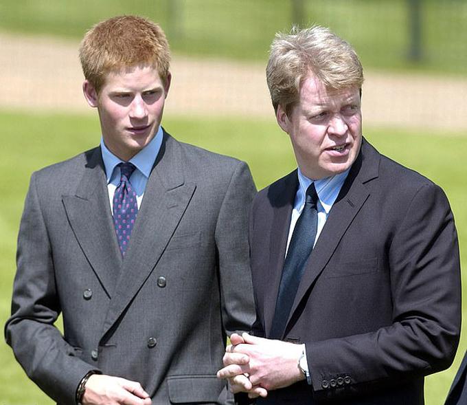 Hoàng tử Harry và cậu ruột Charles Spencer. Ảnh: PA.