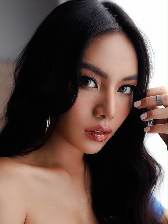 Vũ Thảo My cho biết bài hát không hoành tráng như nhiều sản phẩm khác, nhưng thể hiện tâm huyết, nghiêm túc của cô với âm nhạc.