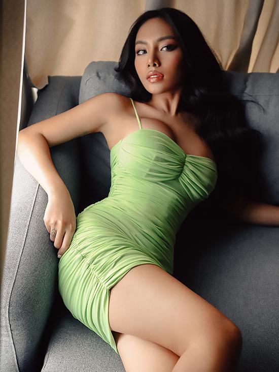 Tháng 10/2019, nữ ca sĩ ra mắt MV Thôi anh cứ đi và nhận được nhiều hiệu ứng tích cực.