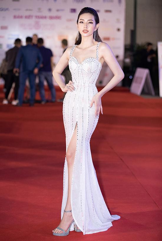 Thùy Tiên bán kết Hoa hậu Việt Nam 2020 tối 10-10