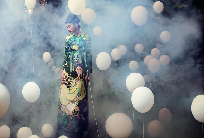 Ngô Thanh Vân trong thiết kế áo dài ở bộ sưu tập Lúng liếng giúp Thủy Nguyễn tạo được tiếng vang trong làng thời trang ở năm 2015.