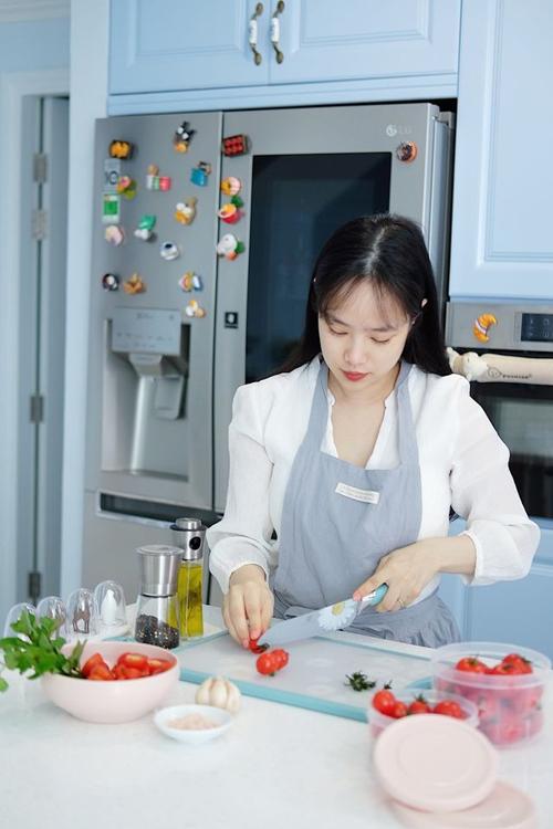 NTK rất thích làm món cà chua sấy ngâm dầu oliu ăn kèm bánh mỳ.