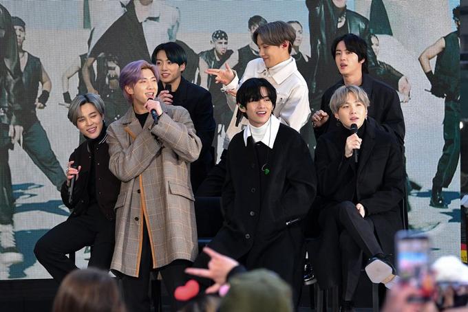 Bảy thành viên nhóm nhạc Hàn Quốc BTS. Ảnh: Bloomberg.