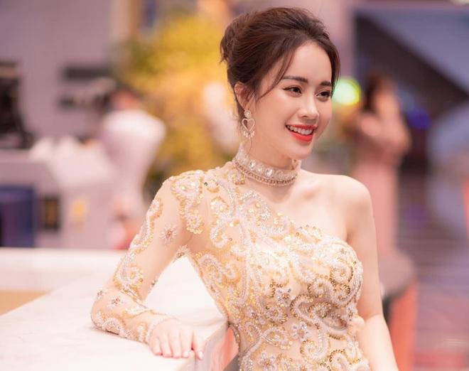 Ngô Mai Phương đang đảm nhận vai trò là MC của Bữa trưa vui vẻ.