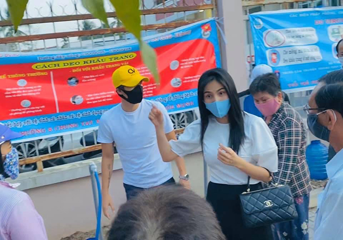 Với hành động cao đẹp của mình qua nhiều dự án từ thiện, khán giả hâm mộ dành tặng Thuỷ Tiên solo gan Ở đầu khó, có cô Tiên.