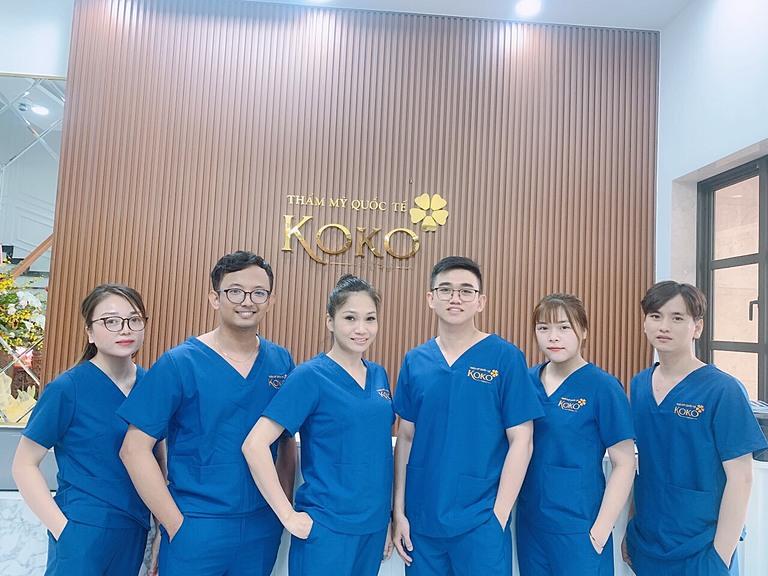 Đội ngũ bác sĩ, nhân viên tại KOKO luôn chuyên nghiệp và tận tình.