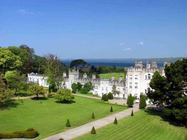 Lâu đài Glin của vợ Dominic West tại Ireland.