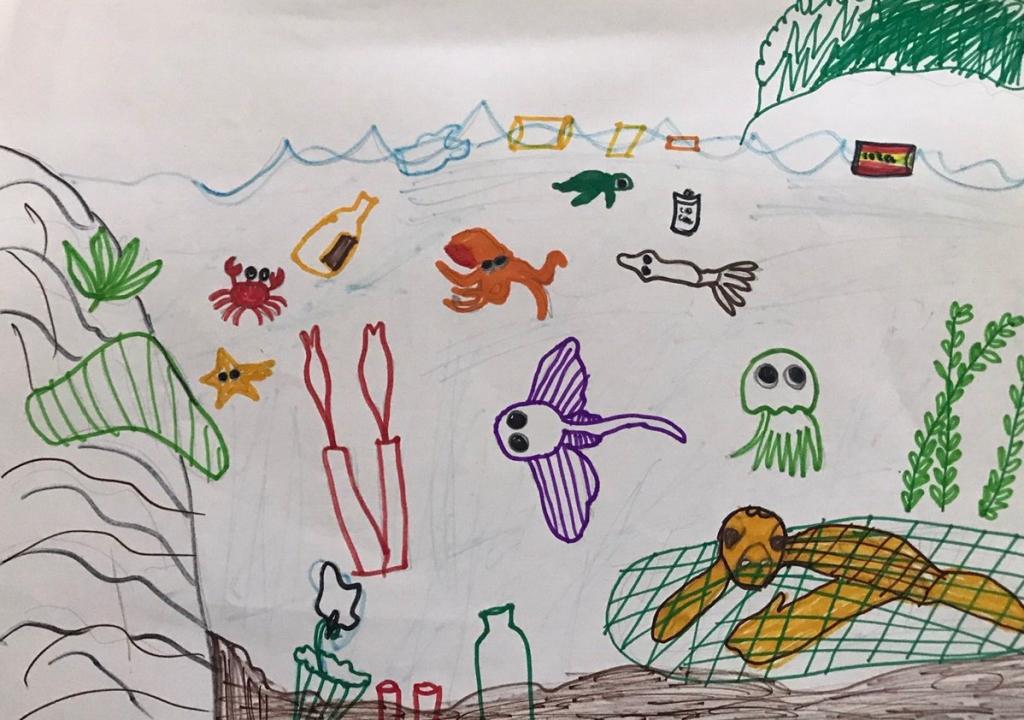 Cậu bé Đức Tuấn mong trở thành nhà khoa học để chế tạo ra thiết bị dọn rác dưới đáy đại dương, có thể dọn sạch các chai nhựa, túi nilong, rác thải...