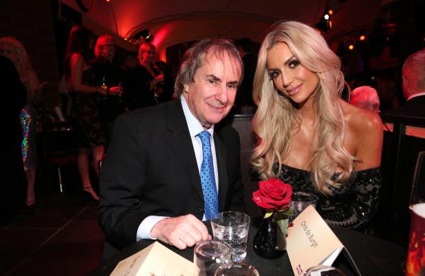 Rosanna cho biết, cha cô ủng hộ con gái xuất hiện trên tạp chí người lớn vì ông đã thấy siêu mẫu Cindy Crawford và minh tinh Marilyn Monroe làm điều này. Bố tôi nói: Con hãy chụp đi. Việc này không hề gây bất kỳ tổn hại nào đến những mỹ nhân đó, Rosanna chia sẻ.