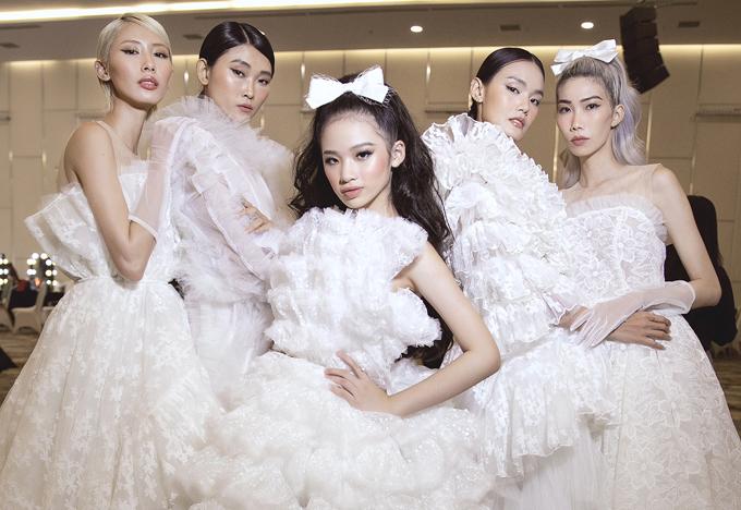 Chương trình có nhiều chân dài khác như Thanh Thảo, Kim Nhung, Quỳnh Anh, Nguyễn Hợp... tham gia. Bảo Hà là mẫu nhí duy nhất diễn show này.