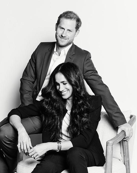Hoàng tử Harry và vợ Meghan Markle. Ảnh: PA.