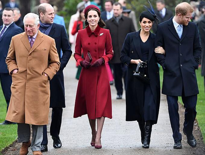 Thái tử Charles, vợ chồng William - Kate, vợ chồng Harry - Meghan dự Giáng sinh ở Sandringham năm 2018. Ảnh: AFP.