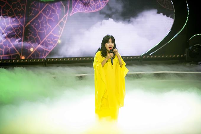 Ca sĩ Thanh Lam hát Để gió cuốn đi và Tình em.