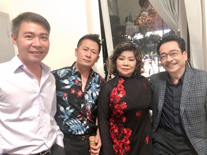 NSND Công Lý, ca sĩ Bằng Kiều, NSND Thanh Hoa và NSND Hoàng Dũng ở hậu trường của chương trình.