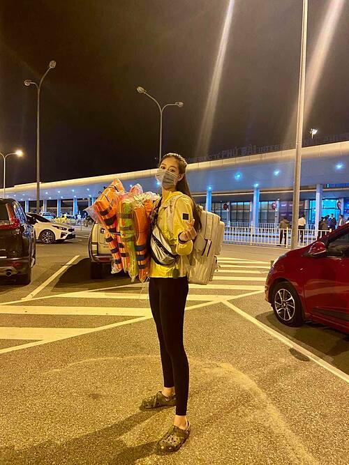 Hoa hậu Khánh Vân cũng có mặt tại Huế để cứu trợ bà con vùng lũ.