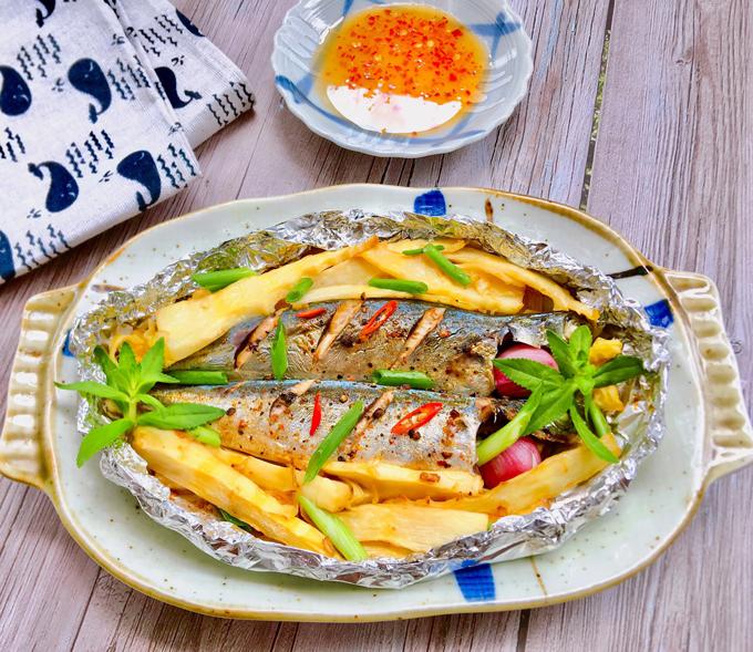 Cá nục nướng măng