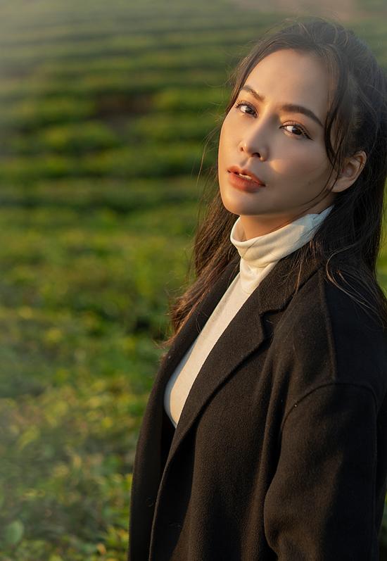 Giọng ca sinh năm 1990 hiện hoạt động trong làng giải trí với vai trò MC, ca sĩ và diễn viên. Cô đang là giám khảo cuộc thi Bolero Talent cùng danh ca Ngọc Sơn.