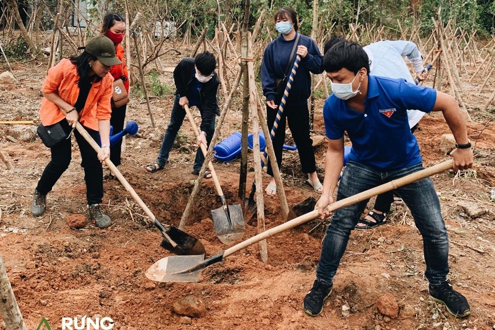 Hà Anh Tuấn cũng gửi lời cám ơn chính quyền, kiểm lâm và bà con địa phương hỗ trợ triển khai dự án thành công bước đầu.