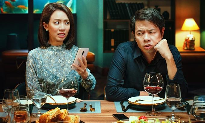 Thu Trang đóng vai cô vợ mê thơ, hơi lạc hậu và vô duyên của Thái Hòa trong phim Tiệc trăng máu.