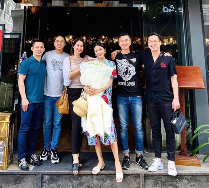 Thân Thúy Hà và hội bạn thân chúc mừng sinh nhật muộn Tăng Thanh Hà.
