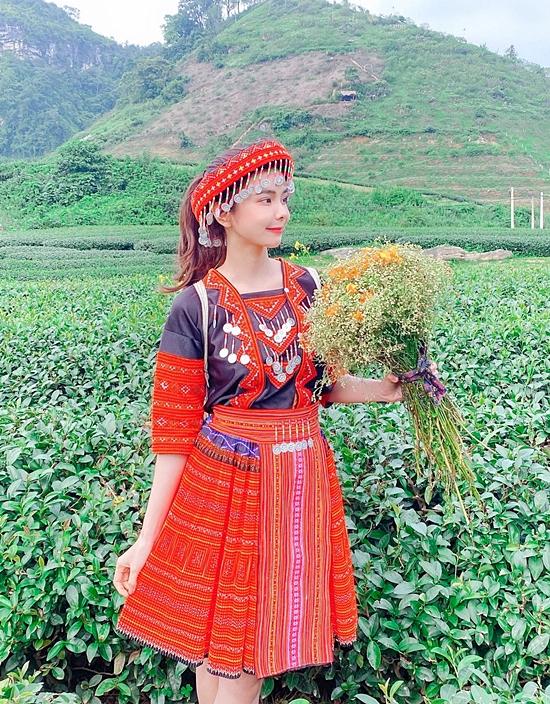 Vì không thể ra nước ngoài, Huỳnh Vy dành thời gian khám phá nhiều vùng đất mới ở Việt Nam. Cô hy vọng đây là cơ hội giúp ngành du lịch nước nhà phát triển bởi Việt Nam có rất nhiều phong cảnh đẹp trải dài từ Bắc đến Nam.