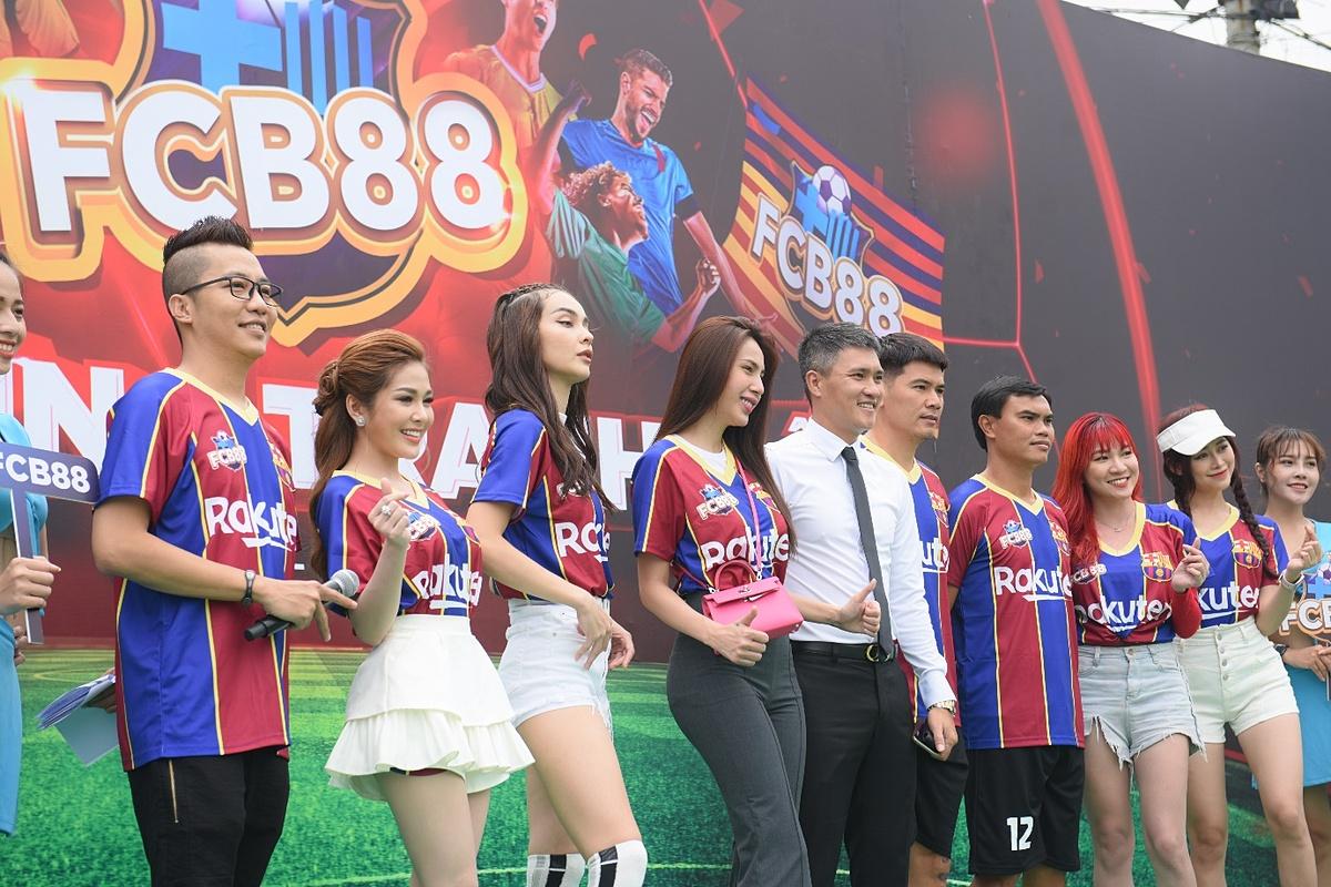 Đêm gala tổng kết và trao cúp vô địch giải đấu Siêu hùng tranh đấu, chủ nhân của ngôi vô địch là đội chủ nhà FCB88. Trận chung kết diễn ra thành công cùng ngày, với kết quả chung cuộc 5 - 4 nghiêng về FCB88. Đội bạn FCB88 Premium dù thể hiện rất xuất sắc ở trận chính với tỷ số 4-4, nhưng cuối cùng đành phải ra về với giải Á quân vì để lọt lưới một bàn.