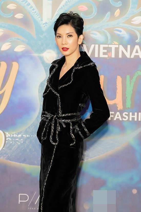 Vietnam Runway Fashion Week 2020 là sự kiện thường niên do siêu mẫu Xuân Lan tổ chức.