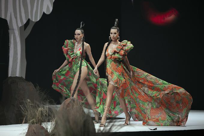 Cùng xuất hiện trong vai trò vedette ở show diễn này là sự góp mặt của siêu mẫu Hà Anh.