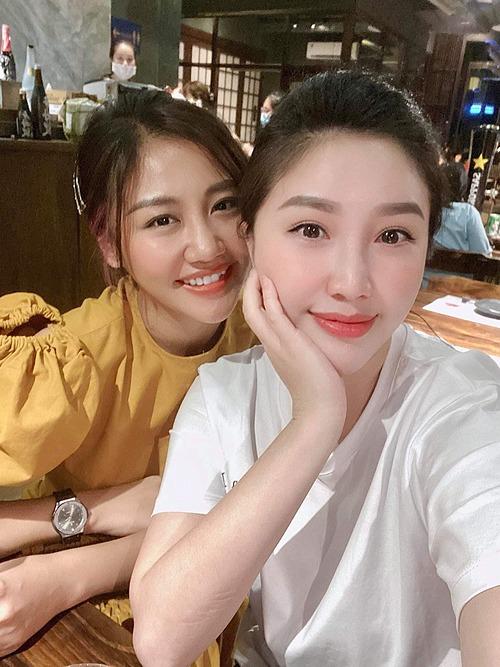 Ca sĩ Văn Mai Hương hội ngộ Bảo Thy.