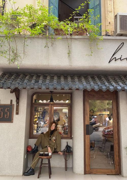 Yến Trang Yến Nhi ăn hơn 10 món Hà Nội, mê nhất bún chả và nộm