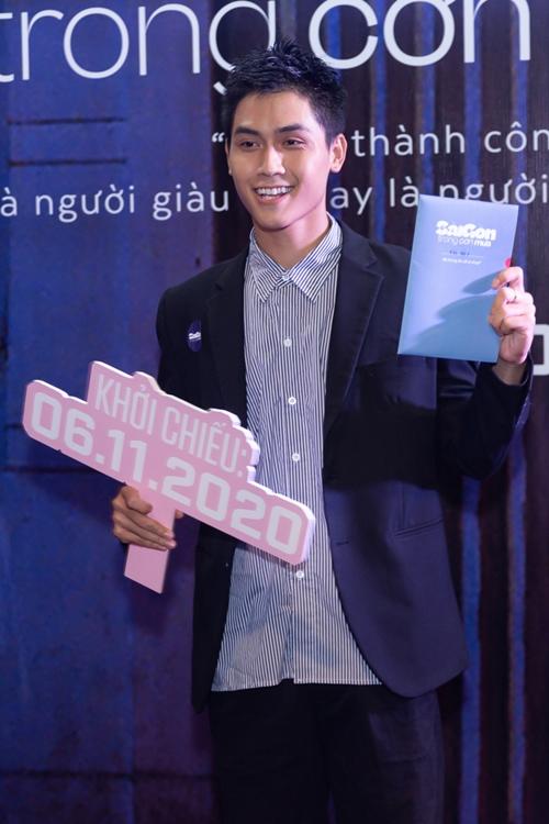 Diễn viên Võ Điền Gia Huy cổ vũ những người bạn trong giới làm phim.