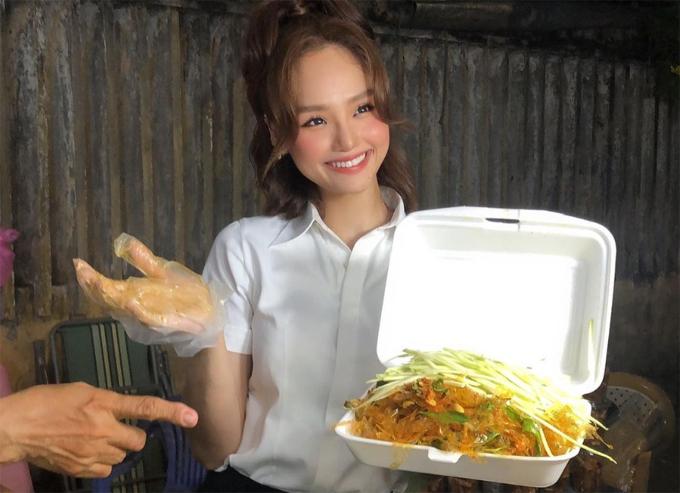 Tiệm bánh tráng trộn bờ kè Biên Hòa Miu Lê - 2