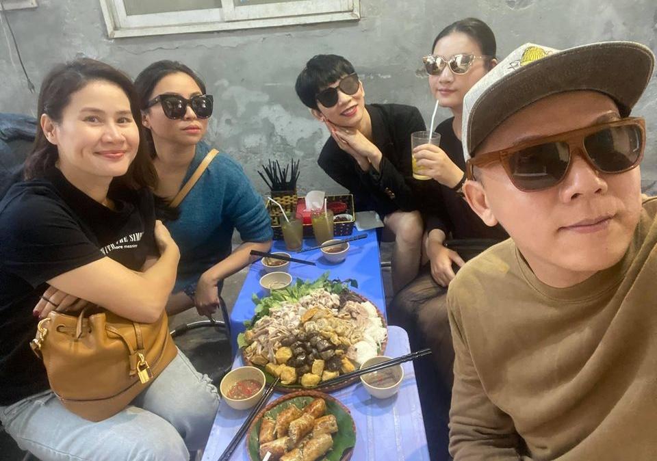Xuân Lan, Thân Thúy Hà hẹn nhau ăn ốc lề đường Hà Nội - 8