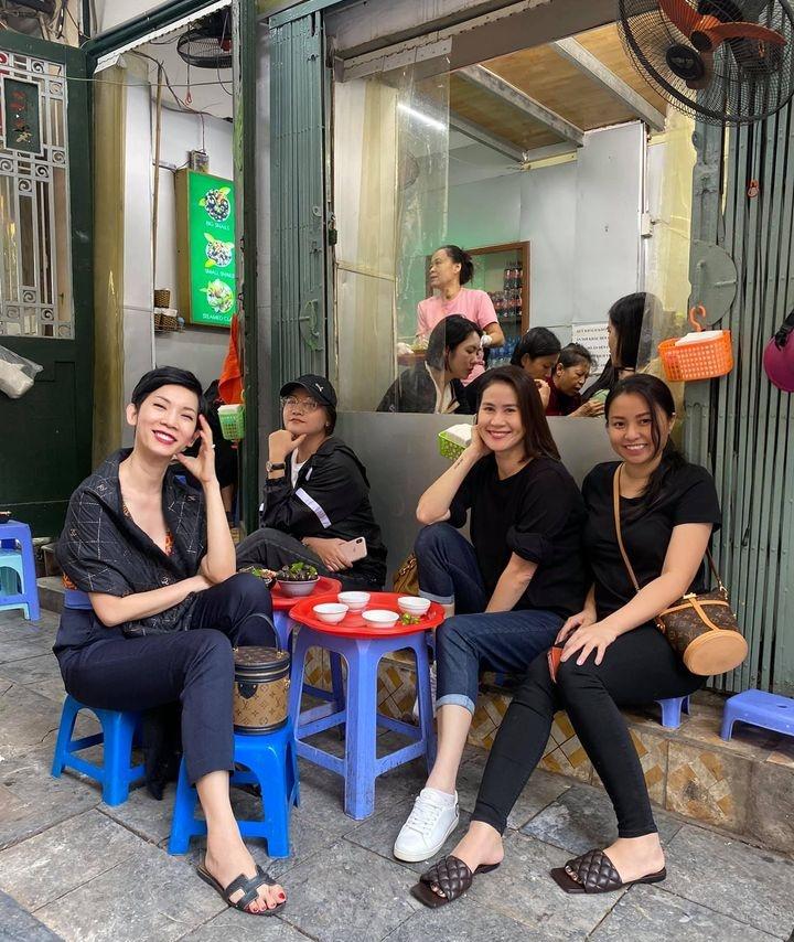 Xuân Lan, Thân Thúy Hà hẹn nhau ăn ốc lề đường Hà Nội - 2