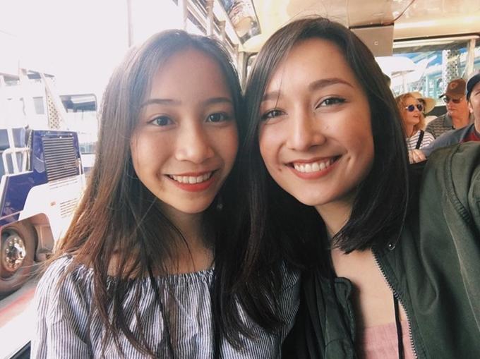 Mỹ Anh (trái) và chị gái Anna Trương.