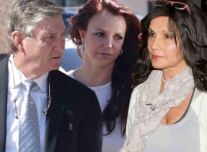 Mẹ Britney ủng hộ và đồng hành với con gái trong suốt vụ kiện với bố cô. Bố mẹ Britney ly hôn từ lâu.