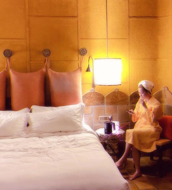 Trợ lý được ở ké Ngọc Trinh ở resort phòng Tổng thống - 10