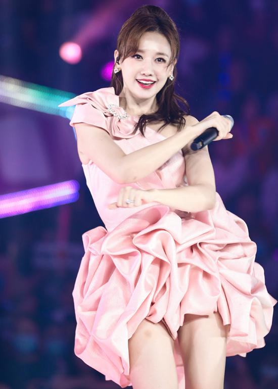 Ca sĩ người Hàn Quốc được khen ngày càng hát hay, nhảy giỏi.