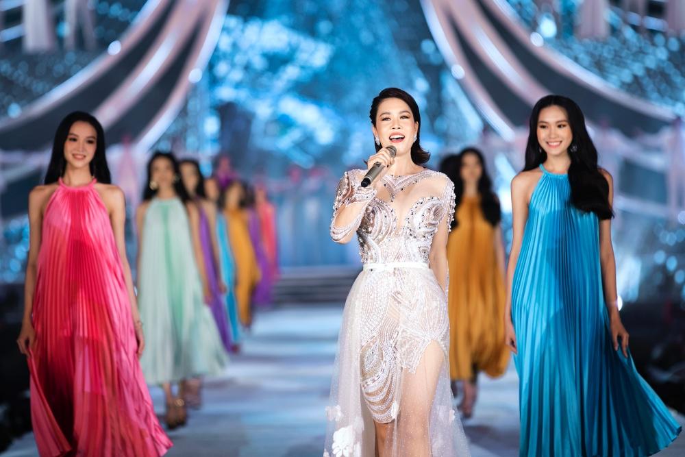 Ca sĩ Thu Phương chinh phục người nghe qua ca khúc Đi để trở về.