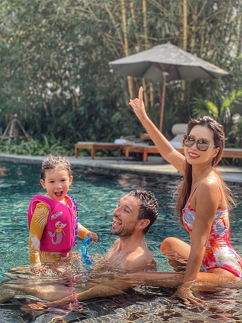 Siêu mẫu Hà Anh cùng chồng con hòa mình với thiên nhiên khi nghĩ dưỡng tại một resort ở Cần Thơ.