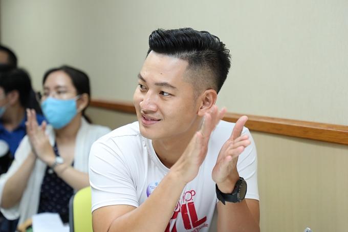 Hương Giang, Đức Tuấn giúp đỡ trẻ em bị dị tật hàm mặt - 2