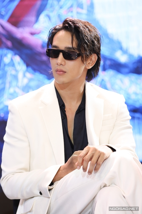 Diễn viên - người mẫu Thuận Nguyễn là nam chính thứ hai của phim.
