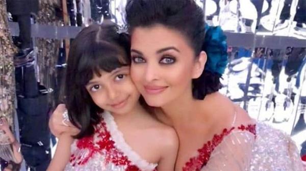 Aishwarya Rai Bachchan và con gái Aaradhya.