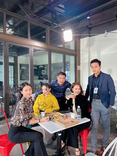 Công Lý hội ngộ cùng Hồng Đăng, Thúy Diễm, Quỳnh Kool và Thu Trang.