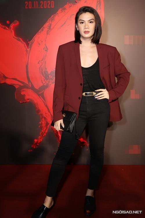 Ca sĩ Đào Bá Lộc xuất hiện ở sự kiện với vẻ ngoài nữ tính.