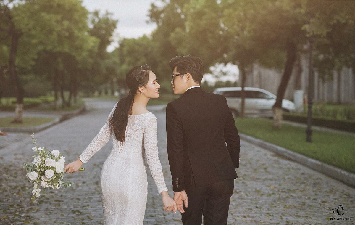 Minh Hằng (Giải bạc Seagame môn đấu kiếm 2019) và Minh Anh quen nhau tình cờ qua Facebook. Cả hai bắt đầu bằng những cuộc nói chuyện vu vơ trên mạng xã hội và phải lòng nhau ngay sau đó.