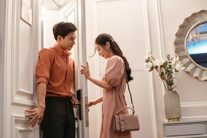 Jun Vũ tỏ vẻ e ấp khi chia tay Anh Tú.