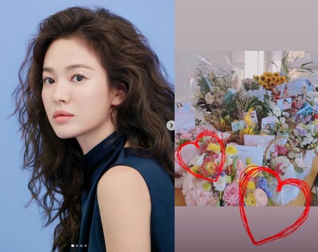 Song Hye Kyo chia sẻ niềm vui khi được tặng hoa.